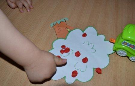 Играем и развиваем у детей дошкольного возраста мелкую моторику, сенсорику и речь